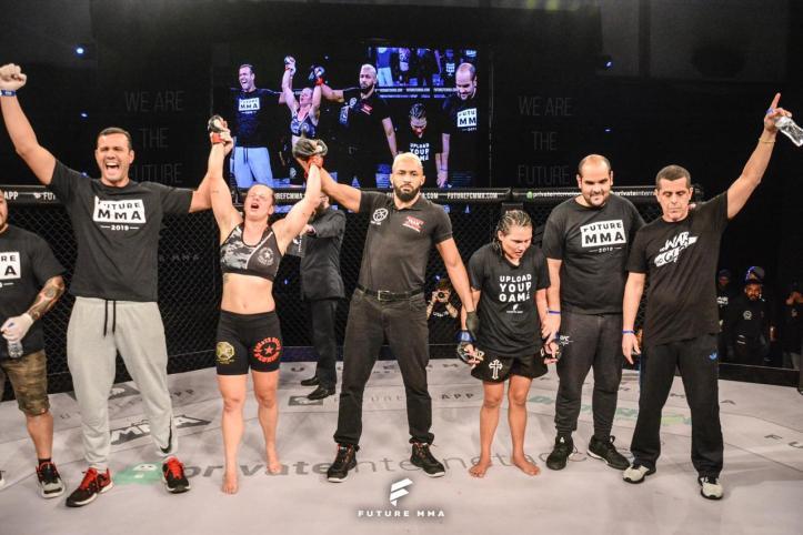 Nina Loch venceu por decisão unânime (Marcos Santos)